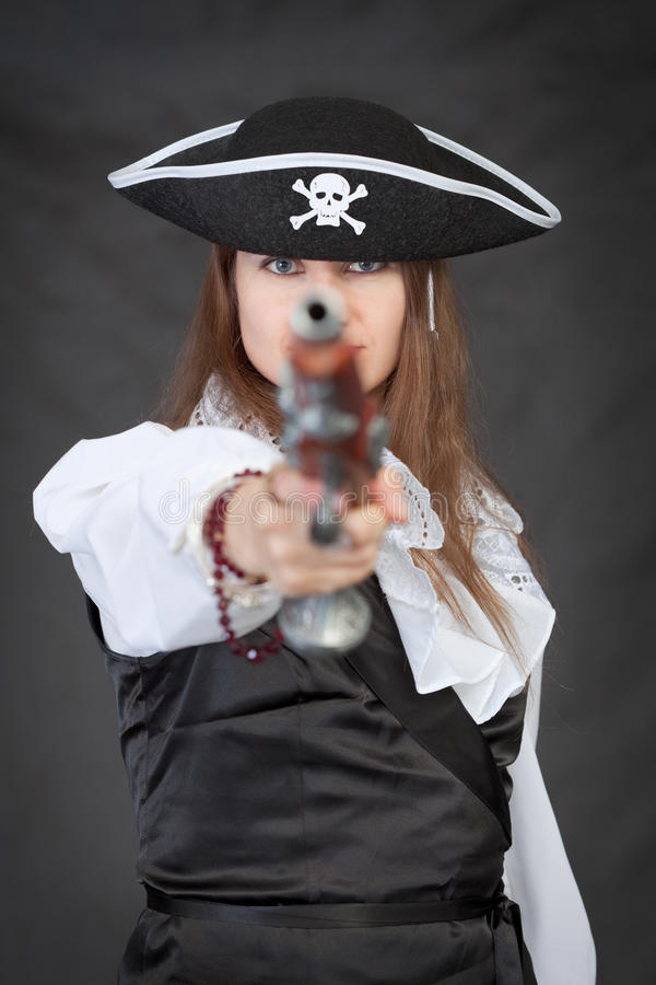 Free Pirate Woman With Old Pistol Royalty Free Stock Image - 10422836