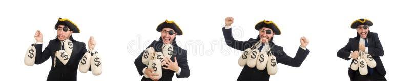 Piratee al hombre de negocios que sostiene bolsos del dinero aislados en blanco fotos de archivo libres de regalías