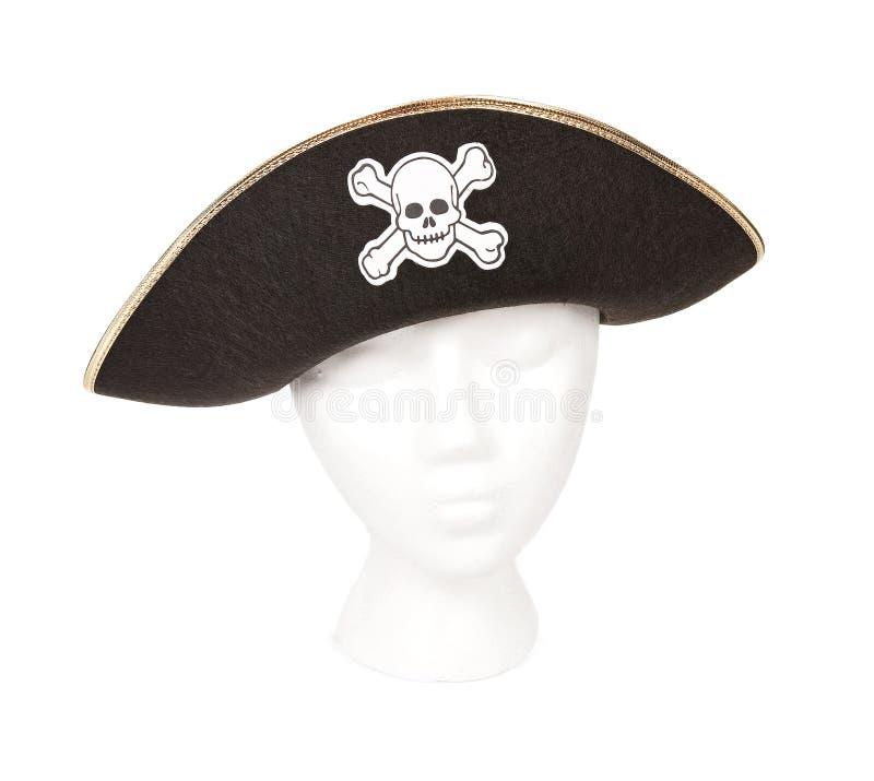 Pirateie o chapéu com crânio e Crossbones imagens de stock royalty free