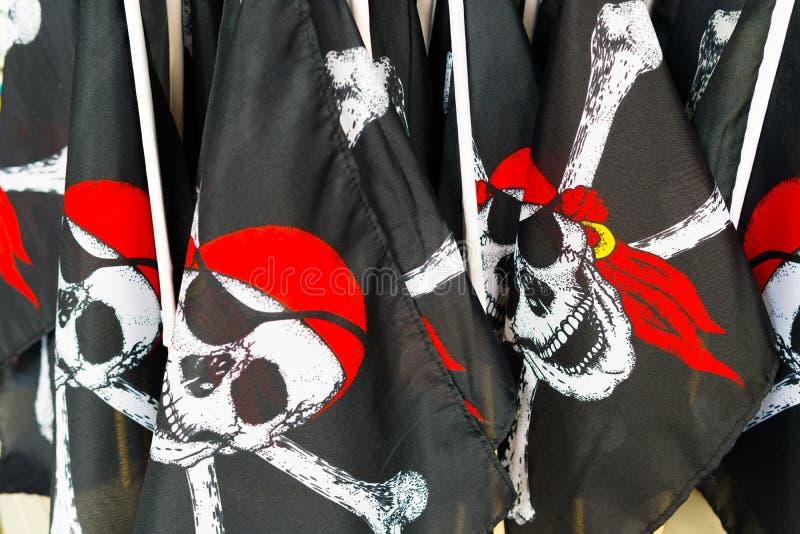 Piratkopiera flaggor arkivbilder