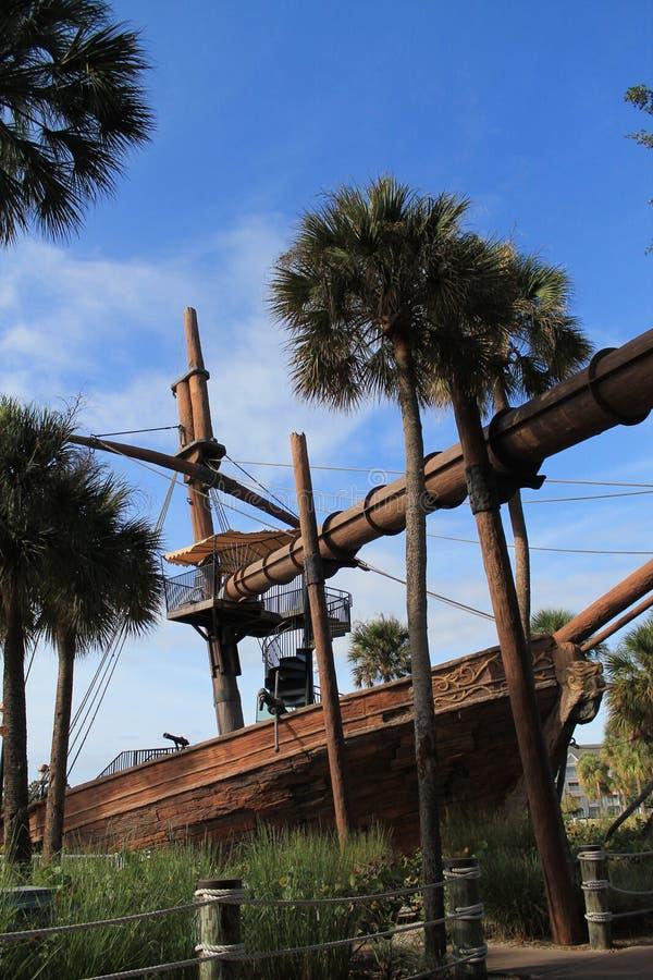 Piratkopiera skeppet på den Disney semesterorten arkivbilder