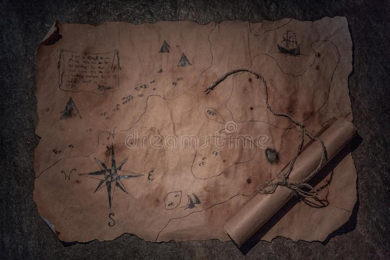 Piratkopiera tabellen, kaptenkabininre royaltyfria bilder