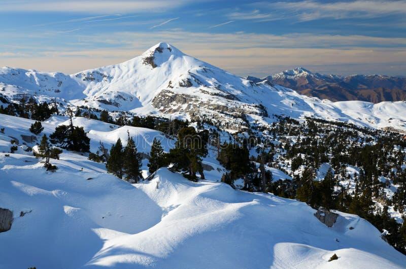 Pirenei atlantici nell'inverno fotografia stock libera da diritti