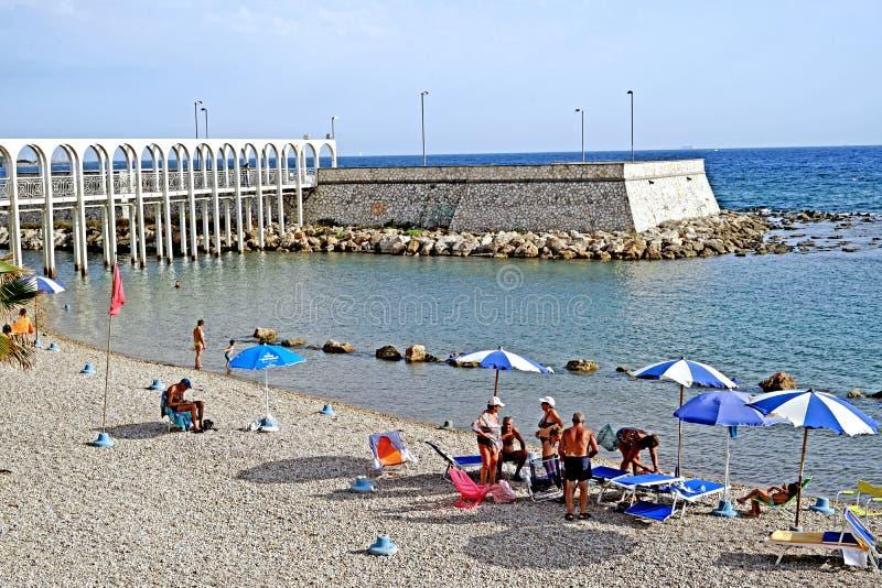 Pirgo人为半岛的海滩  图库摄影