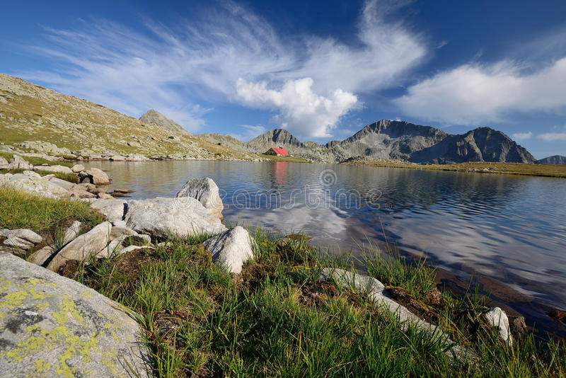 Pirin山的,保加利亚Tevno湖 免版税库存图片