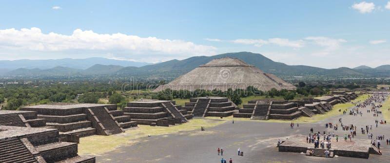 Pirmide del Sol dans Teotihuacan photos stock