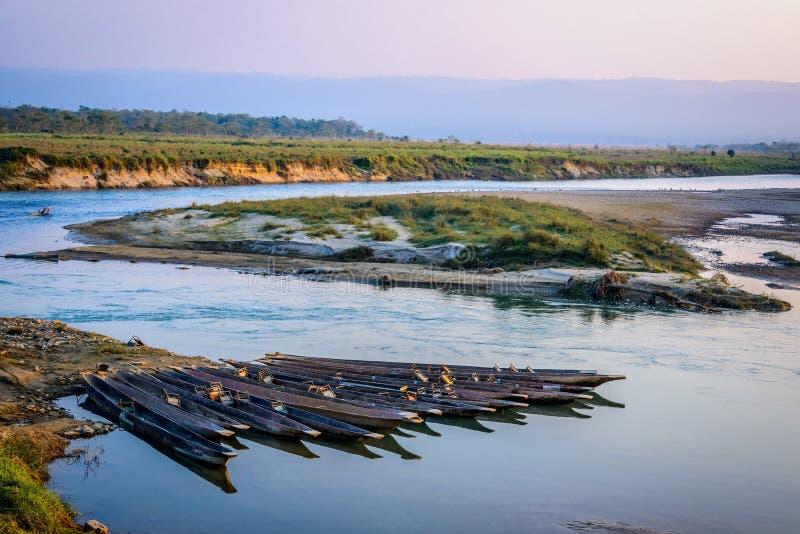 Piroghe in Chitwan, Nepal fotografia stock libera da diritti