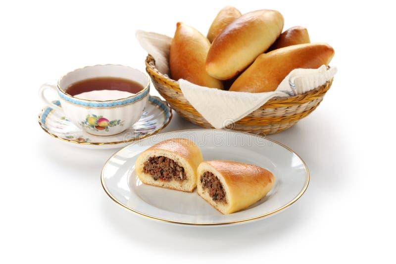 Piroshki, pirozhki, comida rusa fotografía de archivo libre de regalías