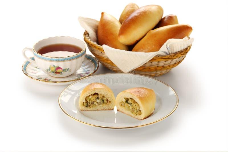 Piroshki, pirozhki, russische Nahrung stockfotos