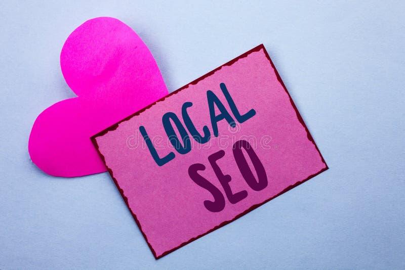 Pisać nutowego pokazuje miejscowego Seo Biznesowa fotografia pokazuje wyszukiwarka optymalizacja strategię Optymalizuje Lokalnego obrazy stock