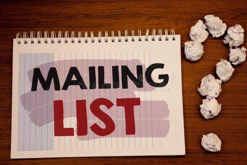 Pisać nutowej pokazuje opancerzanie liście Biznesowych fotografiach pokazuje imiona i adresy ludzie ty iść wysyłać coś zdjęcia royalty free