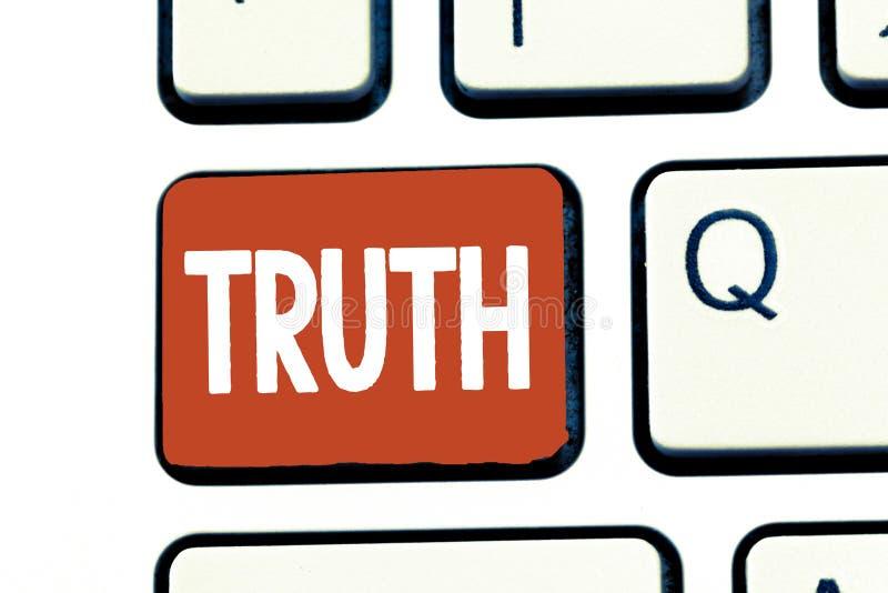Pisać nutowej pokazuje prawdzie Biznesowa fotografia pokazuje ilość jest prawdziwym opposite Mówi fact lying on the beach stan lu obraz stock