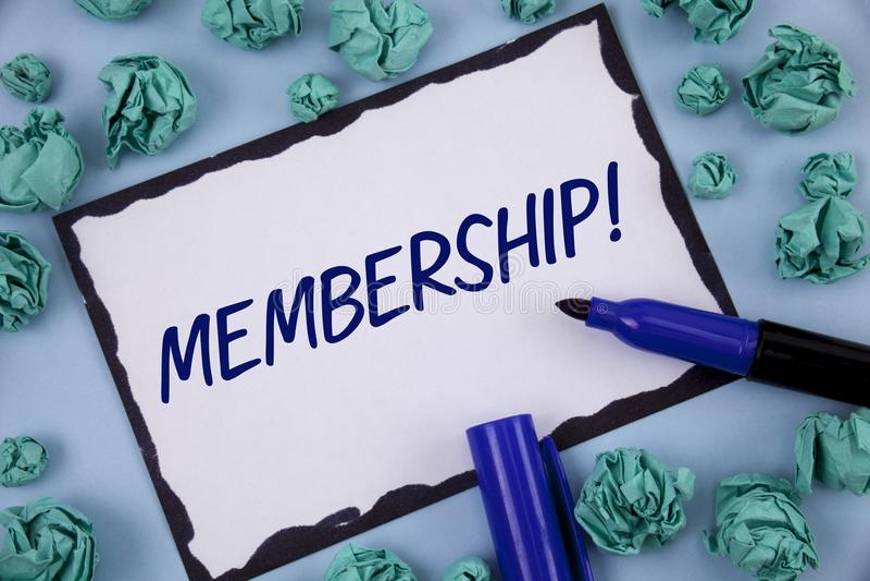 Pisać nutowym pokazuje członkostwie Biznesowa fotografia pokazuje Być członka częścią grupa lub drużyną Łączy organizaci firmy pi obrazy royalty free