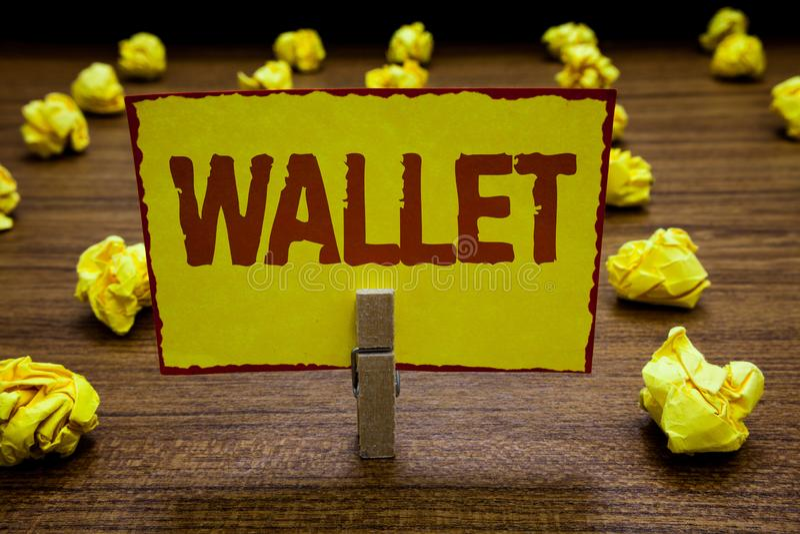 Pisać nutowym pokazuje portflu Biznesowa fotografia pokazuje Pocketsized płaską falcowanie skrzynkę dla trzymać pieniądze i kling obrazy royalty free