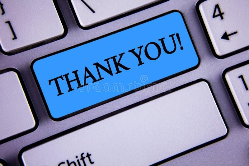 Pisać nutowym seansie Dziękuje Ciebie Motywacyjny wezwanie Biznesowa fotografia pokazuje docenienia powitania przyznania wdzięczn obraz stock