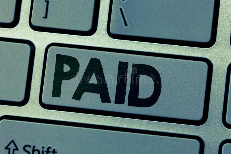 Pisać nutowym seansie Płacącym Biznesowa fotografia pokazuje opłatę dla pracy robić Ones otrzymywa wynagrodzenie podczas urlopu o fotografia stock
