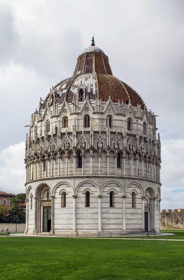 Pisa baptysterium, Włochy zdjęcie royalty free
