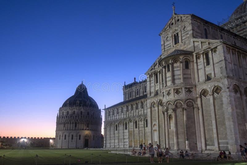 Pisa, dei Miracoli da praça, quadrado famoso da catedral fotos de stock