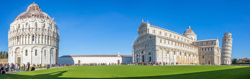 Pisa domkyrka med benägenhettornet av Pisa på piazzadeien Miracoli Italien Tuscany, Pisa 26 December 2018 arkivfoto