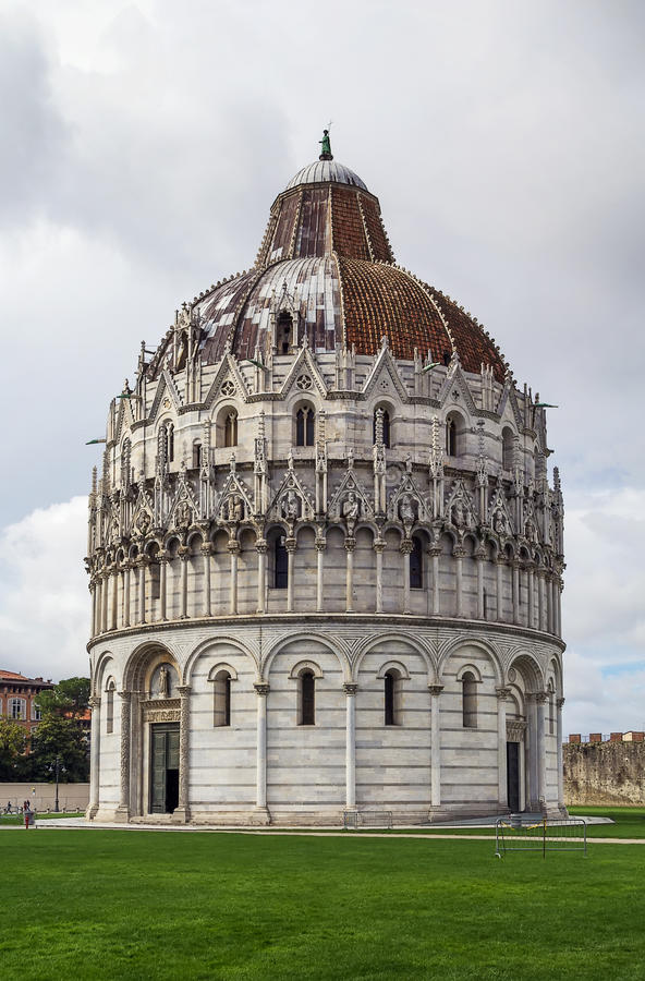 Pisa dopkapell, Italien royaltyfri foto