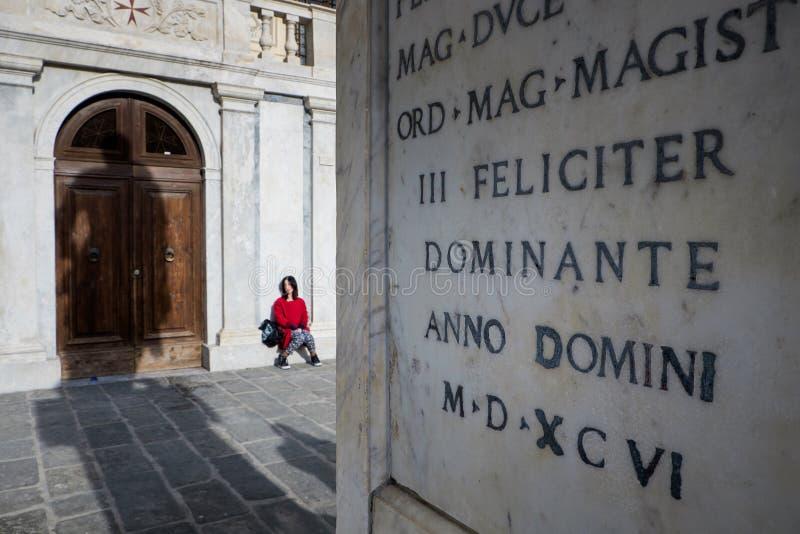 Pisa Italien - Februari 26, 2017: Den Knights' fyrkantpiazza fotografering för bildbyråer