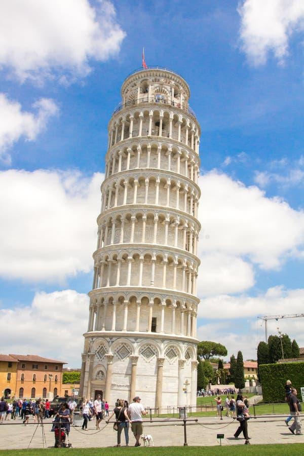 Pisa, Italien - 24. Mai 2018: Lehnender Turm von pendente Pisas Torre Di Pisa in Marktplatz dei Miracoli-Quadrat von Wundern stockbilder