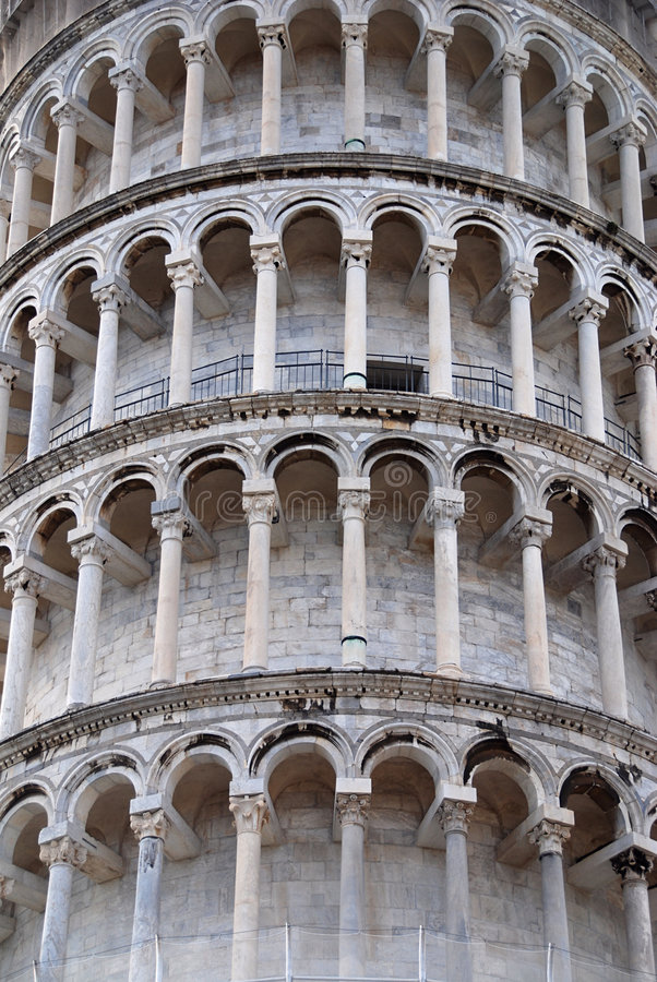 Free Pisa Leaning Tower Royalty Free Stock Image - 8824726