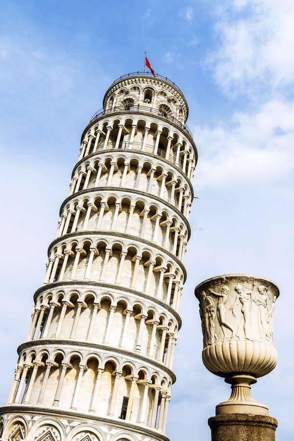 Pisa lutande torn, Italien arkivbild