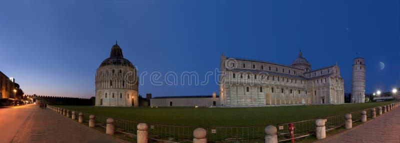 Pisa Piazzadeimiracoli royaltyfri bild