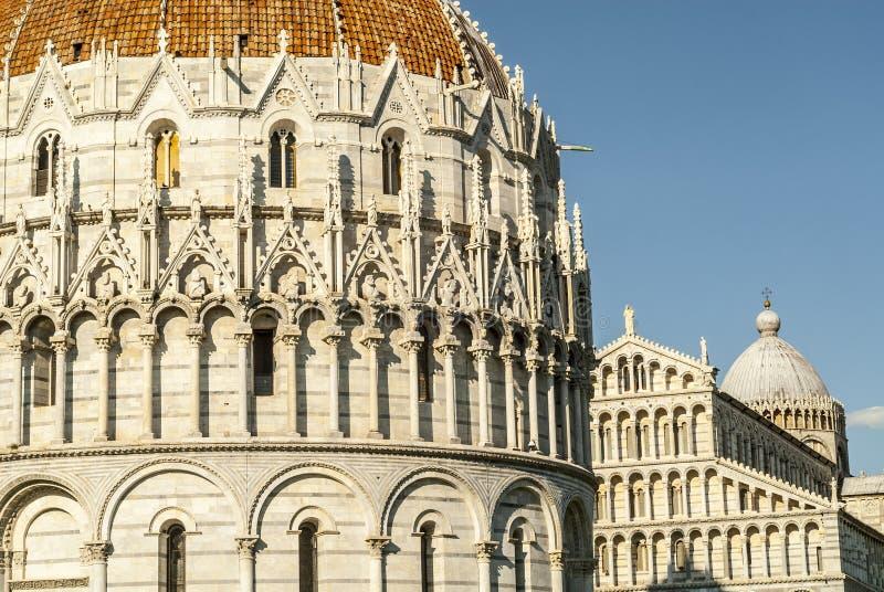 Download Pisa (Toscana) - Cattedrale E Battistero Immagine Stock - Immagine di cielo, chiesa: 30827079
