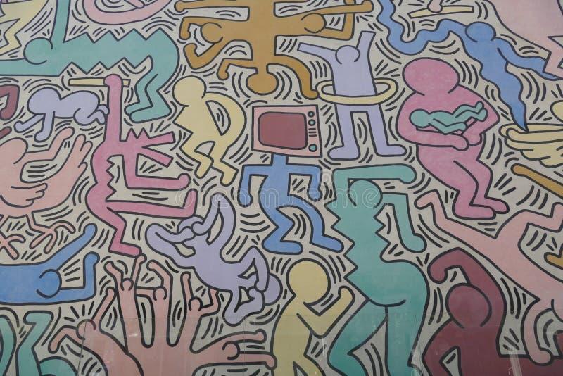 Pisa, Tuttomondo malowidła ścienne Keith Haring - zdjęcia stock