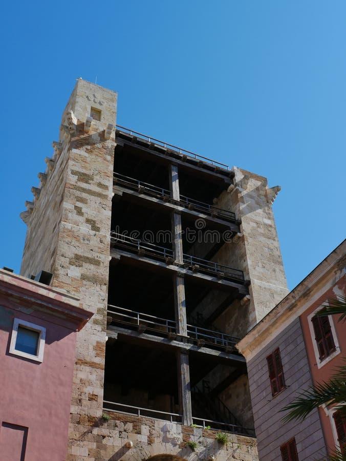 Pisana塔在卡利亚里 库存图片