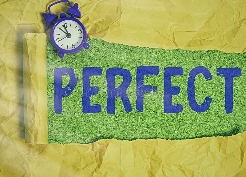 Pisanie notatki przedstawiającej idealne Fotografia biznesowa przedstawiająca wszystkie wymagane cechy charakterystyczne zdjęcia stock