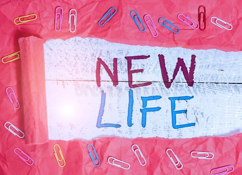 Pisanie tekstu w programie Word Nowe życie Koncepcja biznesowa dotycząca rozpoczęcia zmian w istnieniu osobnika lub zwierzęcia fotografia stock