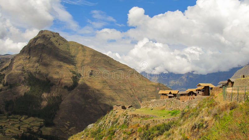 Pisaq风景在印加人的秘鲁` s神圣的谷的 免版税库存图片