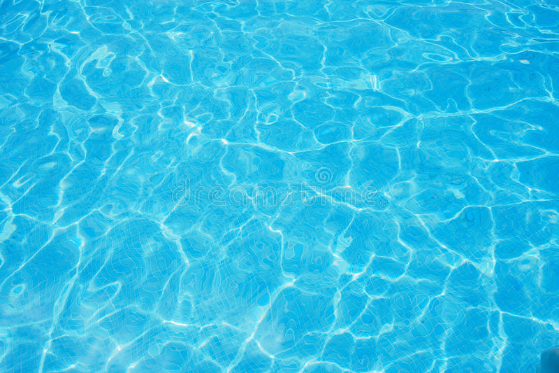 Piscina acqua cristallina immagine stock immagine di stagno 32455523 - Acqua orecchie piscina ...