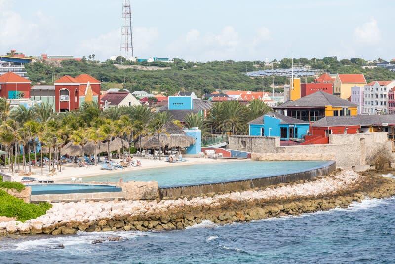 Piscina del infinito en Curaçao foto de archivo libre de regalías
