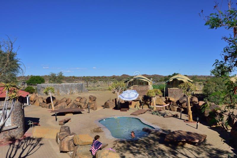 Piscina en el hotel, Namibia imagen de archivo libre de regalías