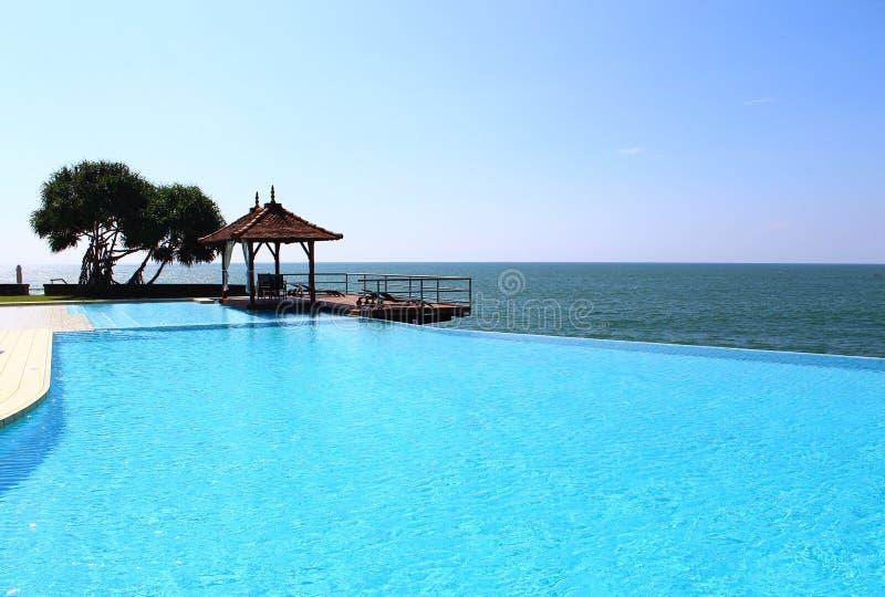 Piscina, hotel Saman Villas, Sri Lanka fotos de archivo