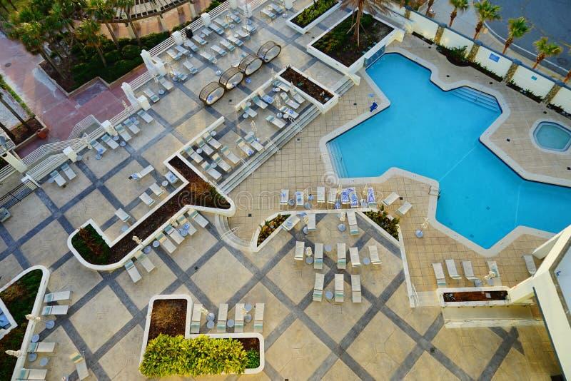 Piscina nell'hotel del oceanview di Daytona Beach fotografia stock