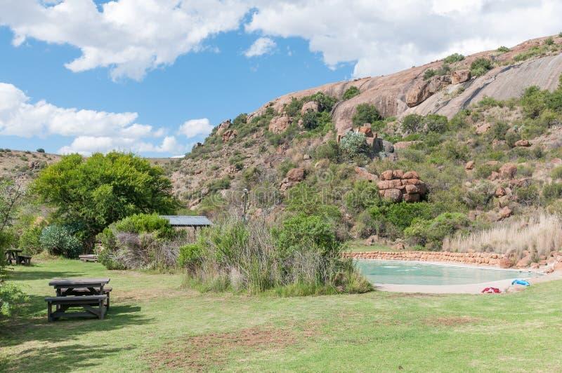 Piscina principal del campo en el parque nacional de la cebra de montaña imagenes de archivo