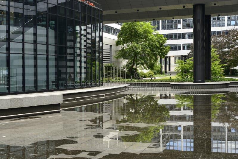Piscina vacía en el paso, Stuttgart fotografía de archivo libre de regalías