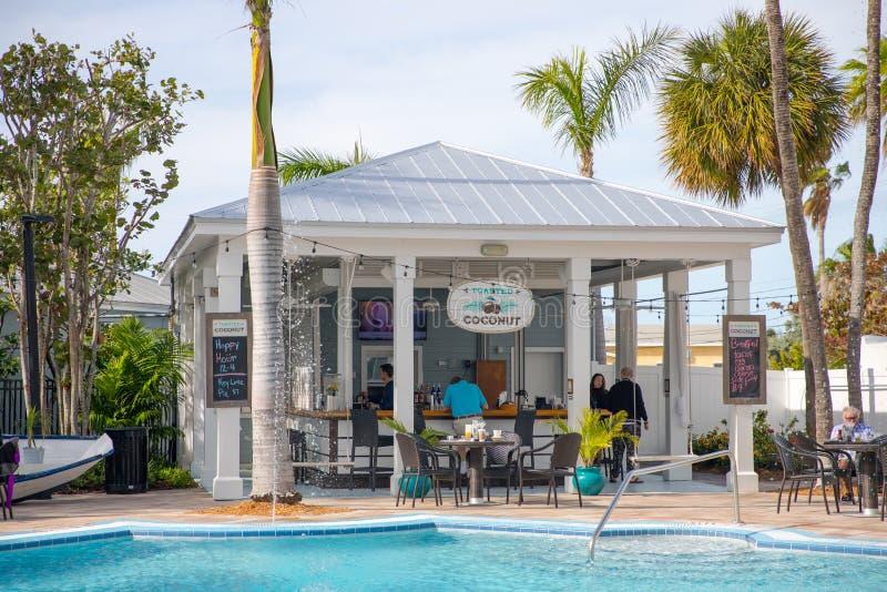 24 piscinas del norte del patio trasero del hotel fotografía de archivo libre de regalías
