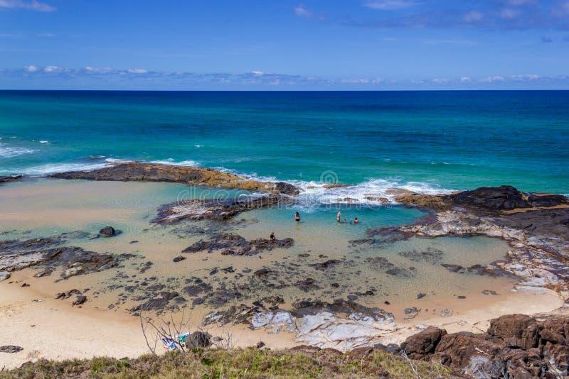 piscinas naturales hermosas con el nombre Champagne Pools, debido a las ondas chispeantes en las piscinas, Fraser Island Australi foto de archivo libre de regalías