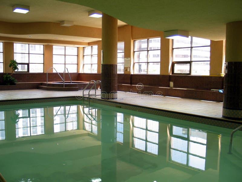 Download Piscine photo stock. Image du construction, aqua, appartement - 60068