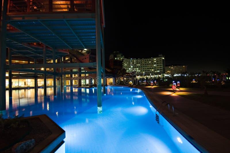 Piscine d'hôtel de luxe photo libre de droits