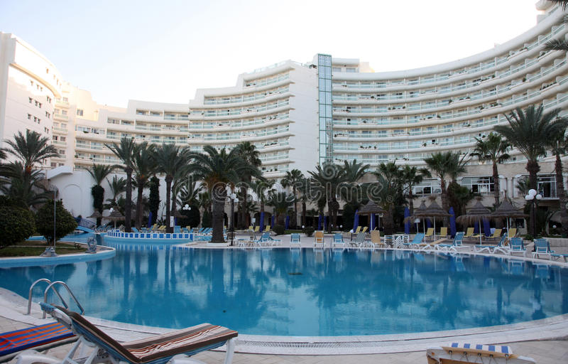 Piscine d'hôtel dans Sousse photographie stock