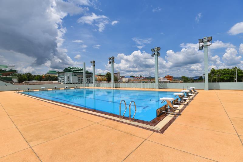 Piscine de sport photo stock