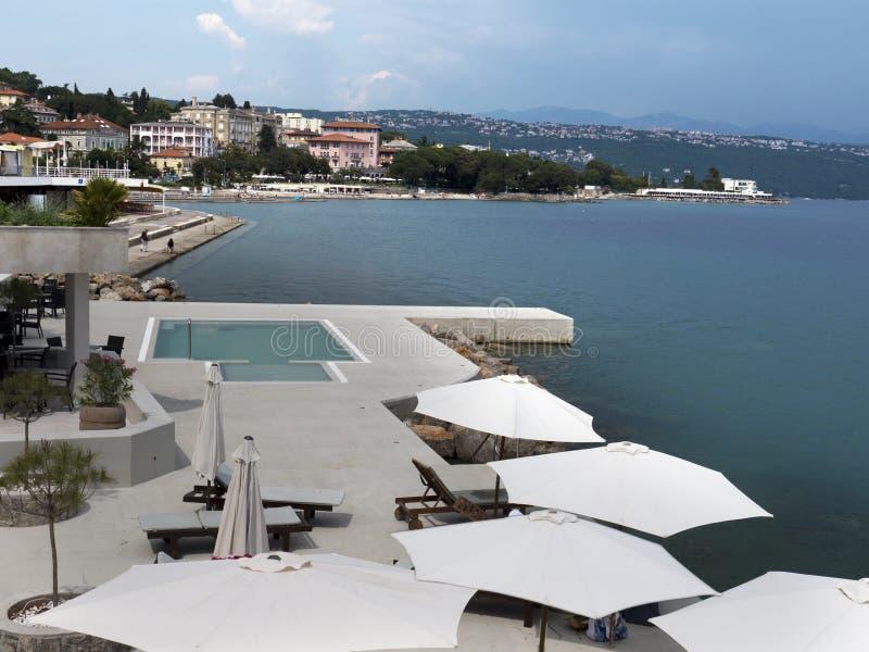 Piscine du front de mer Opatija Croatie photographie stock