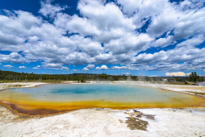 Piscine thermique Yellowstone de lac sunset images stock